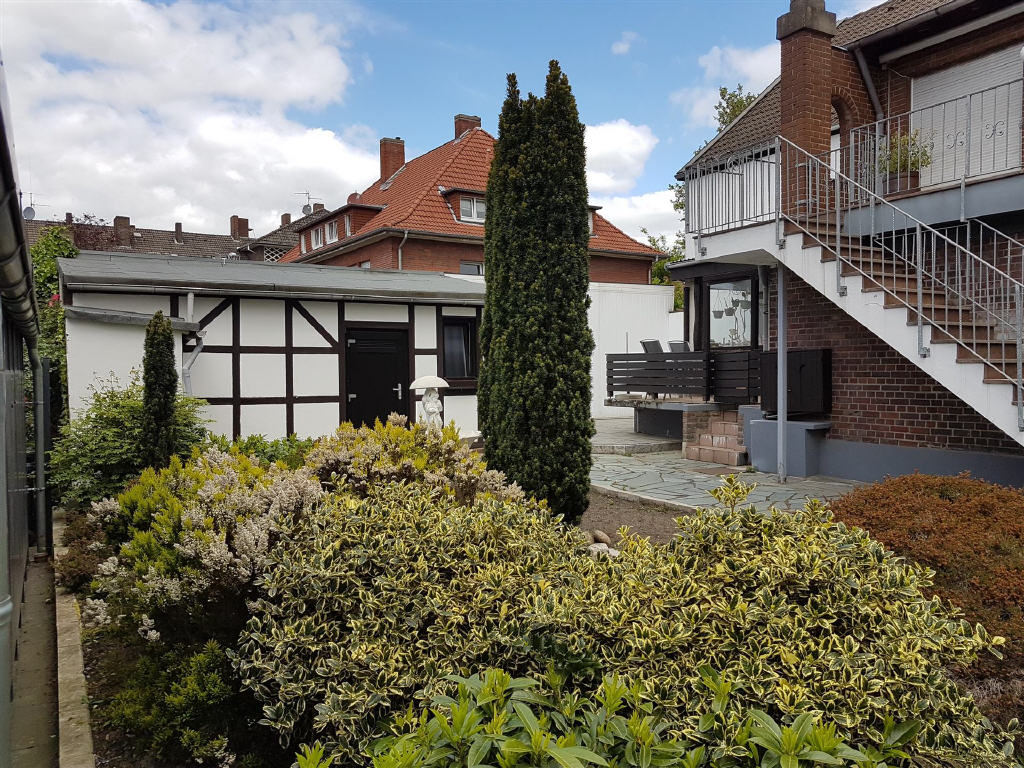 Dülmen-Stadt  – ZWEI-Familienwohnhaus  mit solider Bauweise