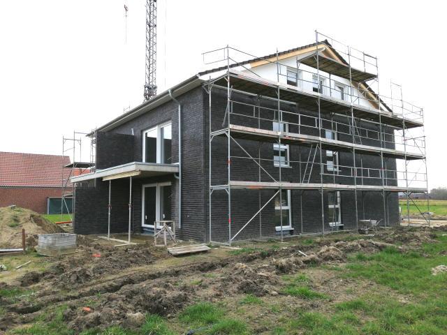 SÜDLOHN OEDING – Über den Dächern des Neubaugebiets Burlo West: Schlüsselfertige Staffelgeschosswohnung