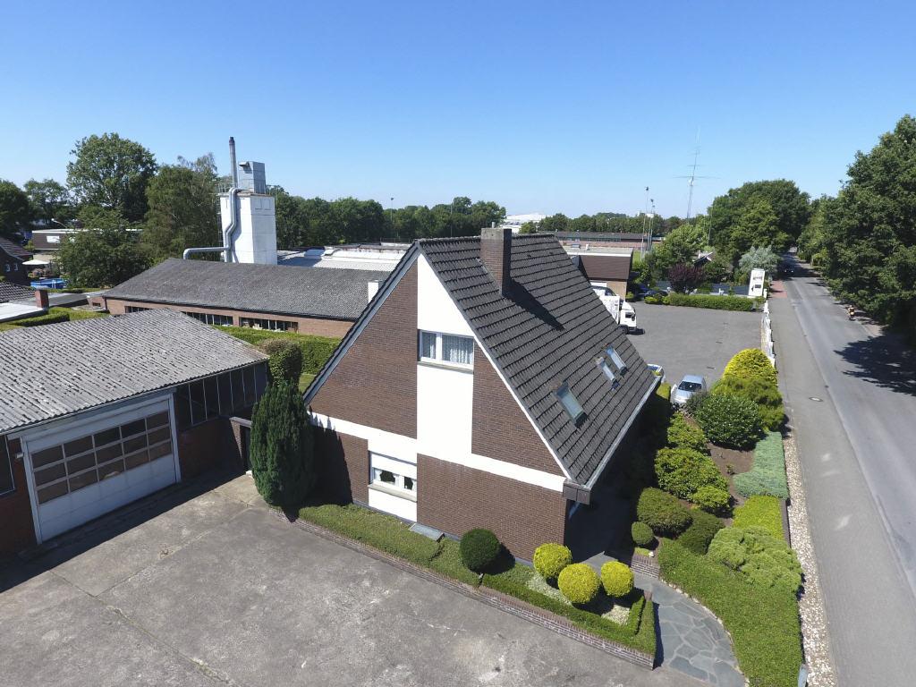 STADTLOHN – Halle mit Wohnhaus mitten im Gewerbegebiet zu verkaufen!